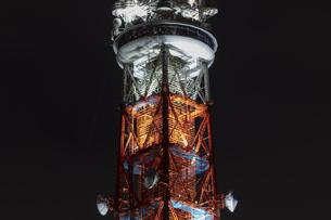 クローズアップ東京タワー<夜景>の写真素材 [FYI03148661]