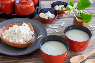 甘酒と米糀の写真素材 [FYI03148830]