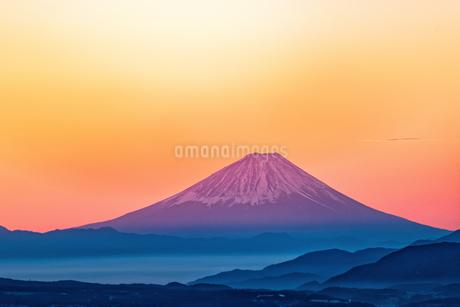 高ボッチ高原から望む朝焼けの富士山 日本の写真素材 [FYI03150124]