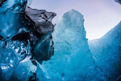 アイスランド・氷の洞窟(ヴァトナヨークトル)の写真素材 [FYI03150375]