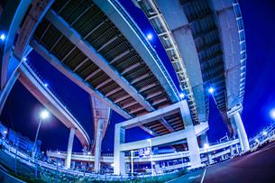 首都高速湾岸線・大黒ジャンクション(横浜市鶴見区)の写真素材 [FYI03150510]