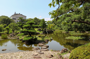 大阪・天王寺公園の慶沢園の写真素材 [FYI03150724]