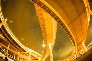 首都高速湾岸線・大黒ジャンクション(横浜市鶴見区)の写真素材 [FYI03150741]