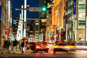 東京 日本橋夜景の写真素材 [FYI03150778]