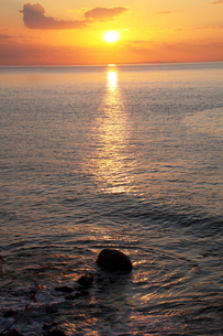 斜里 夕陽の写真素材 [FYI03152005]