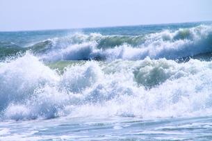 野比海岸 大波の写真素材 [FYI03152073]