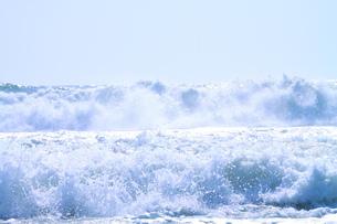 台風 野比海岸の写真素材 [FYI03152075]