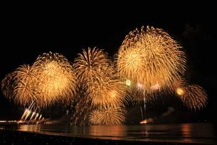江ノ島秋の花火大会の写真素材 [FYI03152208]