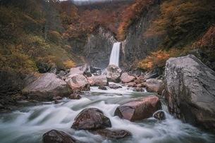苗名滝 の写真素材 [FYI03153092]