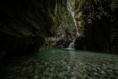 滝 風景の写真素材 [FYI03153192]