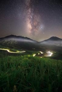 箱石峠 Japan Kumamoto Prefecture Asoの写真素材 [FYI03153454]