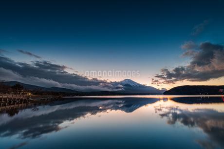 富士山 山中湖交流プラザきらら 日本 山梨県 山中湖村の写真素材 [FYI03153865]