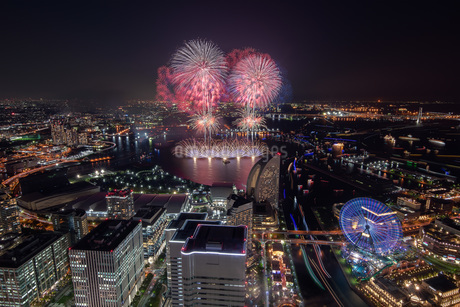 横浜ランドマークタワーからの夜景 日本 神奈川県 横浜市の写真素材 [FYI03153898]