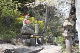 岩手 平泉 中尊寺入り口 地蔵の写真素材 [FYI03153957]