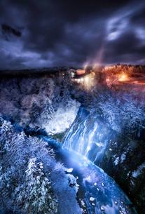 白ひげの滝 日本 北海道 美瑛町の写真素材 [FYI03153996]