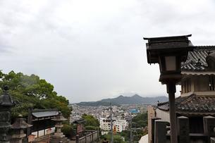こんぴらさんの参道からの眺めの写真素材 [FYI03155343]