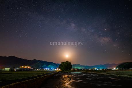 天の川 客神社 日本 鳥取県 南部町の写真素材 [FYI03155414]