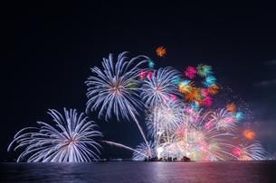花火 日本 島根県 松江市の写真素材 [FYI03155422]
