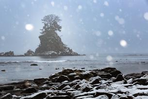 雨晴海岸 富山県 高岡市の写真素材 [FYI03155436]