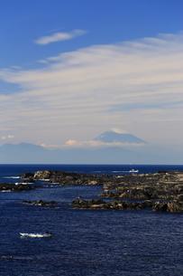 富士山と雲の写真素材 [FYI03155536]