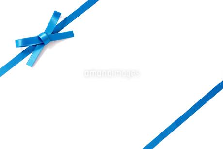 ブルーのリボンの写真素材 [FYI03155544]