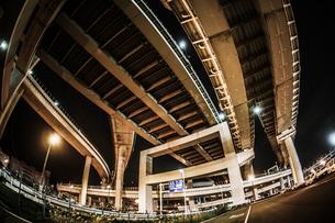 首都高速湾岸線・大黒ジャンクション(横浜市鶴見区)の写真素材 [FYI03155812]