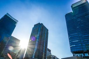 東京丸の内のビジネス街・オフィスビルのイメージの写真素材 [FYI03155952]