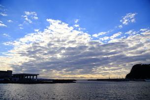 港の空の写真素材 [FYI03156392]