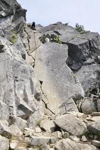 絶壁の登山道の写真素材 [FYI03157211]