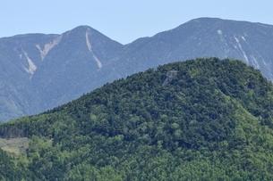 甲武信ヶ岳と木賊山の写真素材 [FYI03157223]