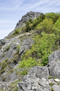 乾徳山岩峰の写真素材 [FYI03157249]