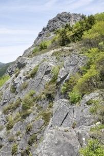 乾徳山岩峰の写真素材 [FYI03157250]