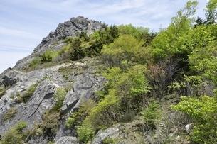 乾徳山岩峰の写真素材 [FYI03157251]
