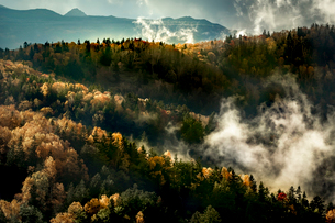 北海道上川郡の山岳風景  日本 北海道 上川郡の写真素材 [FYI03157532]