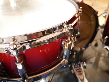 ドラムの輝きの写真素材 [FYI03159189]
