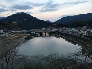 川と街の写真素材 [FYI03159420]