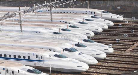 鳥飼車両基地の新幹線の写真素材 [FYI03159875]