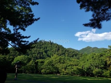 山と青空の写真素材 [FYI03159948]
