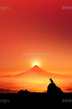 富士山の日の出とネズミのシルエットのイラスト素材 [FYI03160312]