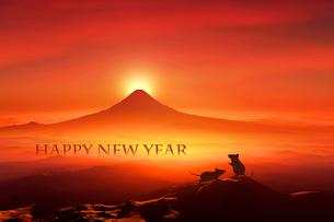 富士山の日の出とネズミのシルエットのイラスト素材 [FYI03160465]
