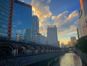 東京の夕方の写真素材 [FYI03160663]