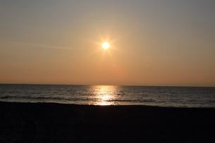 日の出の写真素材 [FYI03160842]