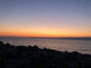 海と夕日 の写真素材 [FYI03160992]