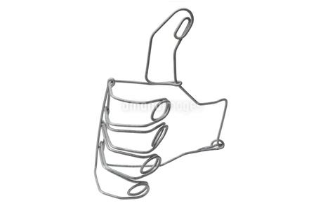 針金で作られた手の写真素材 [FYI03161017]