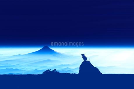 富士山の夜明けとネズミのシルエットのイラスト素材 [FYI03161357]