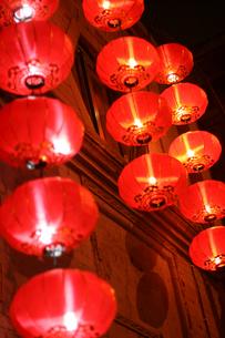 前門大街の提灯の写真素材 [FYI03162021]