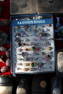 リング 藩家園旧貨市場の写真素材 [FYI03162030]