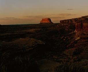 壮大な大地の空(オレンジ色) ニューメキシコ アメリカの写真素材 [FYI03162101]