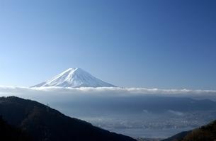 朝の富士山 山梨県の写真素材 [FYI03162181]