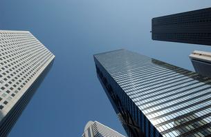 高層ビル群と青空   西新宿 東京都の写真素材 [FYI03162200]